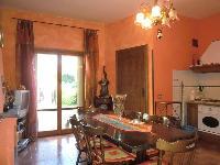 Appartamento in vendita a LADISPOLI su Piazza Matteotti foto 1 di 12
