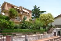 Appartamento in vendita a SAN POLO DEI CAVALIERI su Ii Giugno foto 1 di 16