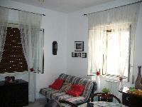 Appartamento in vendita a  TIVOLI TERME su Via Calabria foto 1 di 4