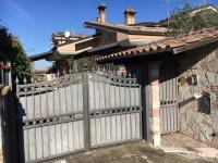 Appartamento in vendita a  ROMA su Via Fraine foto 1 di 12
