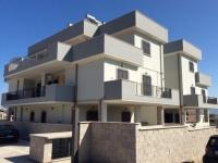 Appartamento in vendita a  ROMA su Via Penna Sant'andrea foto 1 di 12