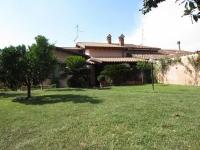 Villa in vendita a PERETO su  foto 1 di 12