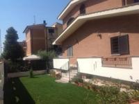 Villa in vendita a  ROMA su Via Pazzano foto 1 di 12