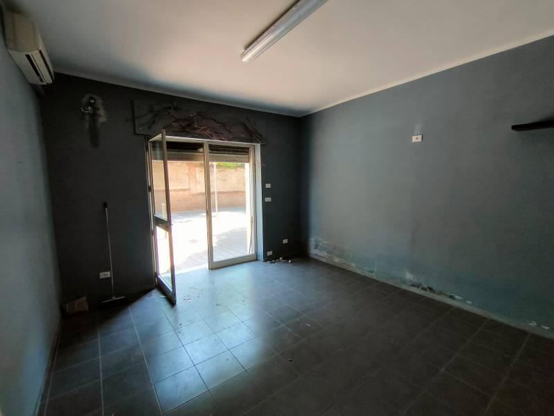 Negozio in affitto a Tivoli-Villa-Adriana - via-di-villa-adriana. Foto 33 di 47