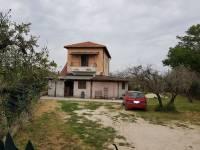 Villa in vendita a PALOMBARA su Strada Ponte Delle Tavole foto 1 di 11