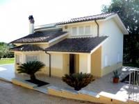 Villa in vendita a PALOMBARA su Strada Beato Tommaso Da Cori foto 1 di 11